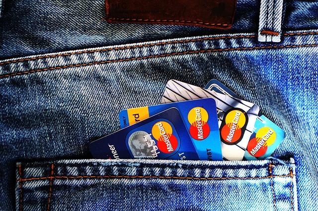 クレジッドカードの明細、銀行口座の引き落とし項目を確認していますか?